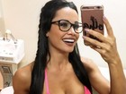 Fernanda D'avila mostra barriga trincada e corpo perfeito na web