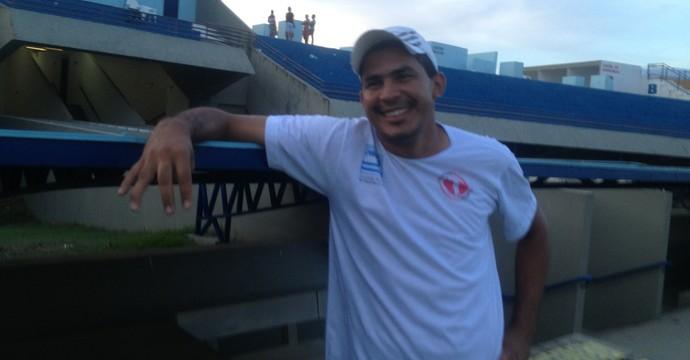 ' Eu não acredito. É, o raio caiu duas vezes para mim, mas desta vez foi no Tocantins' contou Matos  (Foto: Edson Reis/GloboEsporte.com)