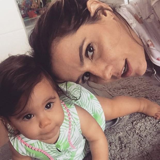 Deborah Secco e Maria Flor (Foto: Reprodução/Instagram)