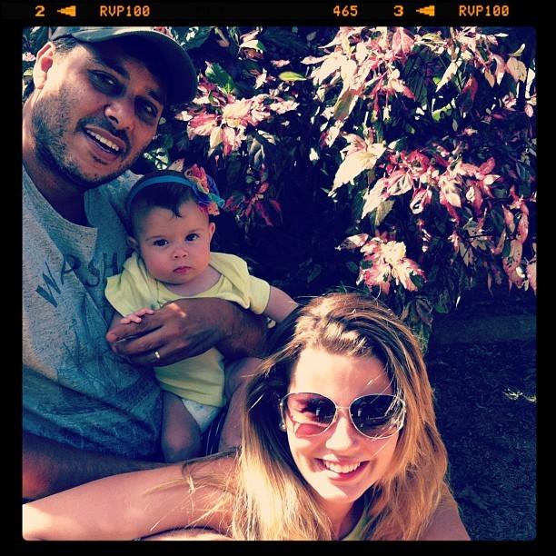 Debby Lagranha e família (Foto: Instagram / Reprodução)