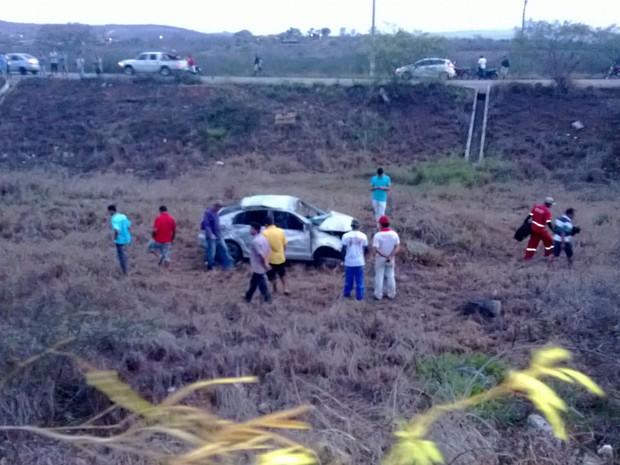 Acidente deixa um morto na BR-232 em Gravatá, Pernambuco (Foto: Franklin Portugal/ TV Asa Branca)