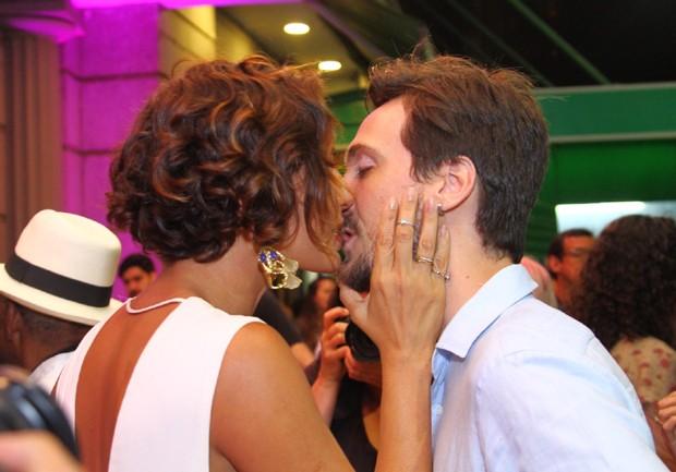 Camila e Igor na estreia do documentário sobre Antônio Pitanga (Foto: AgNews / Anderson Borde)