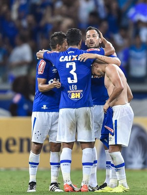 Jogadores do Cruzeiro comemoram gol contra o Corinthians (Foto: Juliana Flister/Light Press/Cruzeiro)