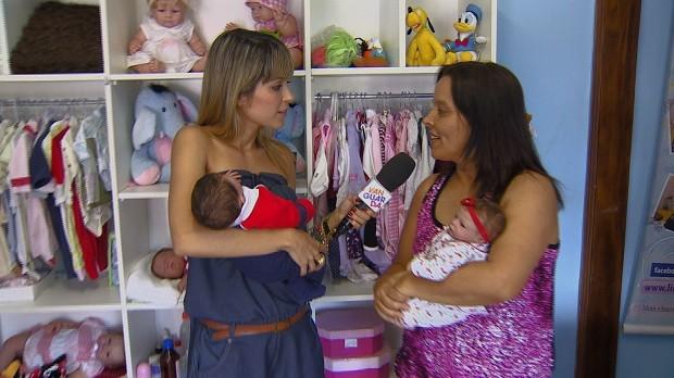 Kelly foi conferir de perto esses 'bebês' que parecem de verdade. (Foto: Reprodução/TV Vanguarda)