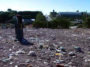 Aterro sanitário mau cheiro Carmo do Cajuru (Foto: reprodução/ TV Integração)