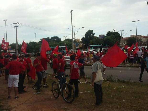 Manifestantes pró-Lula se concentram no Polo de Lazer da Parangaba, em Fortaleza (Foto: Gioras Xerez/G1)