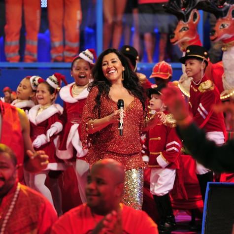 Regina Casé no 'Esquenta!' de Natal (Foto: Alex Carvalho/TV Globo)