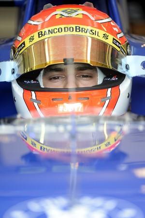 Felipe Nasr no carro da Sauber na sexta-feira de treinos livres na Hungria (Foto: EFE)