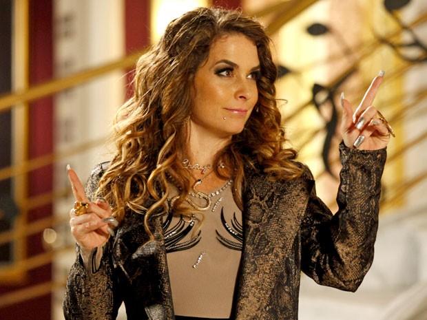 A cantora quer cortar as asas da Empreguete (Foto: Cheias de Charme / TV Globo)