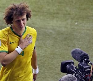 Após a derrota, David Luiz fez um depoimento emocionado à torcida brasileria (Foto: AP Photo/Themba Hadebe)