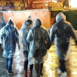 Com chuva, público movimenta espaços fechados (Fernanda Burigo/G1)