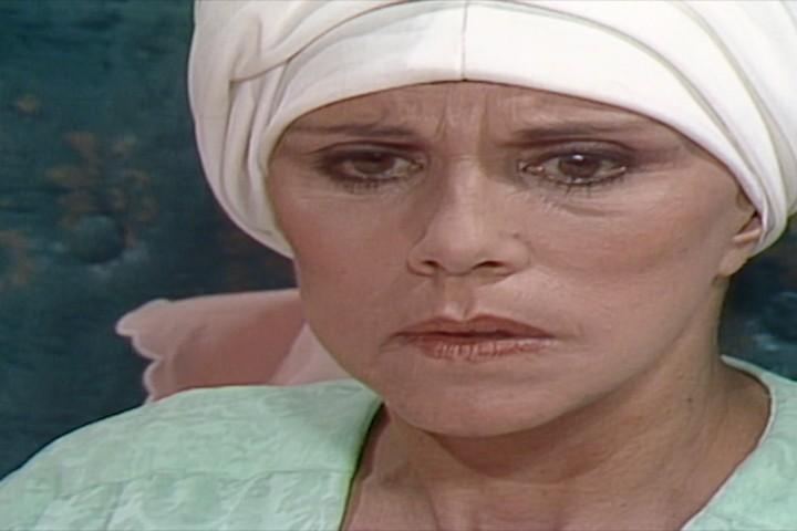 Gilda descobre que Andr est sendo acusado de ter assassinado Carina. (Foto: Reproduo/viva)