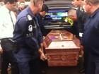 Corpo de Renan Ribeiro, ex-'The Voice', é velado em Conchal, SP