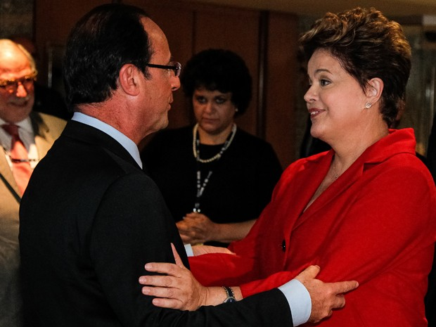 Dilma Rousseff e o presidente da França, François Hollande, durante a Rio+20, em junho (Foto: Roberto Stuckert Filho/PR)