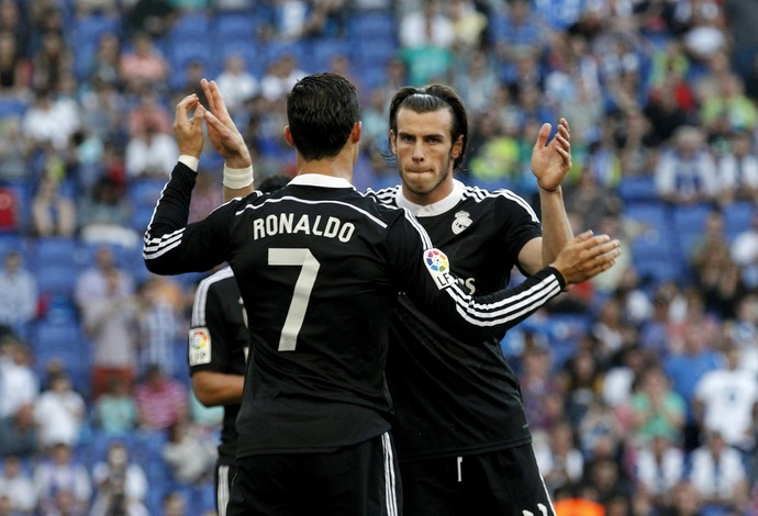 """Gareth Bale e Cristiano Ronaldo podem dar """"dor de cabeça"""" para o técnico Rafa Benítez (Foto: Reuters)"""