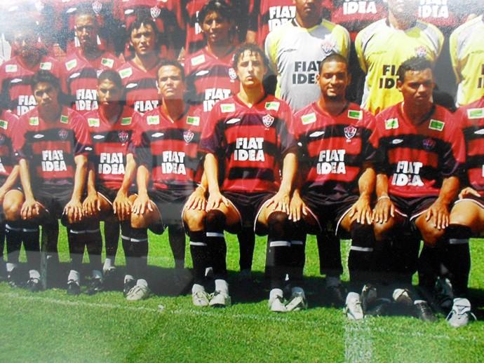 David Luiz em poster do Vitória do elenco da Série C do Campeonato Brasileiro de 2006 (Foto: Reprodução)