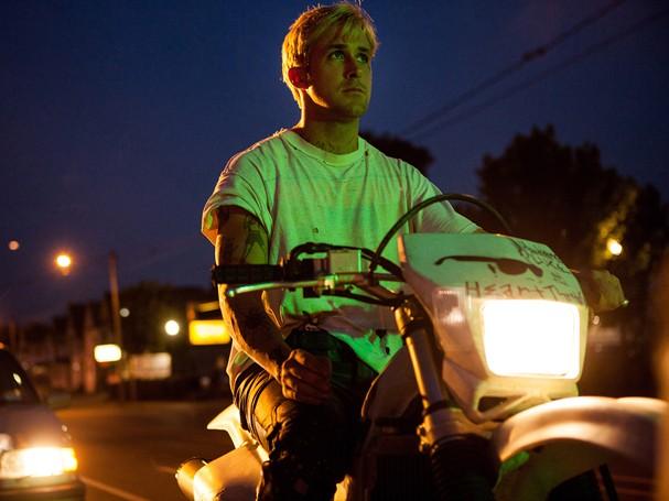 """Ryan Gosling sagitariano, livre e, ao mesmo tempo, carente, em """"O Lugar Onde Tudo Termina"""" (Foto: Divulgação)"""