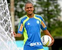 Meia Patrik, do Palmeiras, chega ao Recife para assinar com o Sport