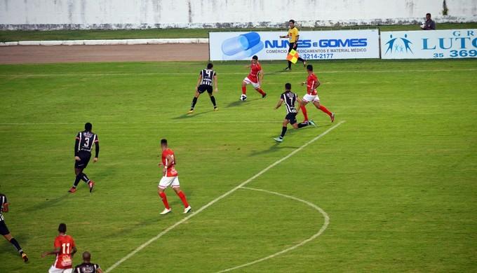 Boa Esporte x Nacional de Muriaé (Foto: Régis Melo)