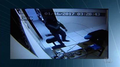 Dois homens são presos suspeitos de assaltar um motel em Estrela do Norte, em Goiás