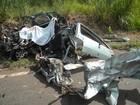 Quatro pessoas morrem em acidentes entre carros e caminhões