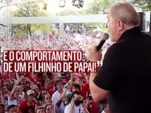 Lula critica Aécio em comício exibido na propraganda de Dilma