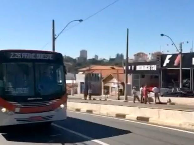 Corredor de ônibus da Avenida Amoreiras estará fechado neste sábado em Campinas (Foto: Reprodução/ EPTV)