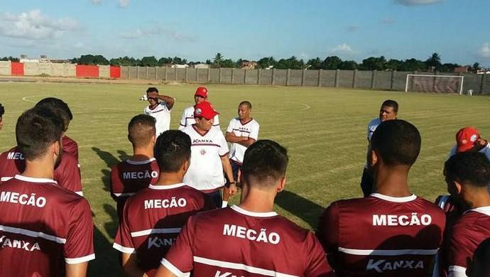 Francisco Diá técnico do América-RN (Foto: Canindé Pereira/Divulgação)