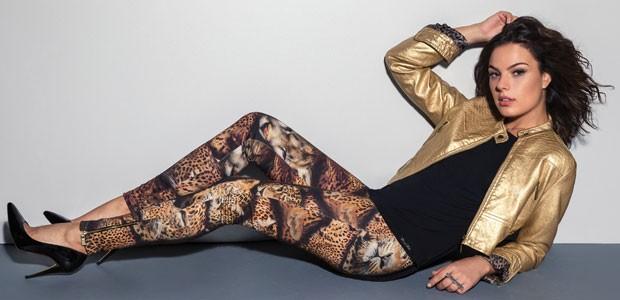 Os modelos são de couro ecológico e forro duplo estampado com print animal de onça (Foto: Divulgação)