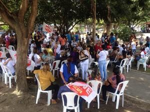 Professores da rede municipal de ensino em Macapá participam de ato organizado pela CUT no Amapá (Foto: John Pacheco/G1)