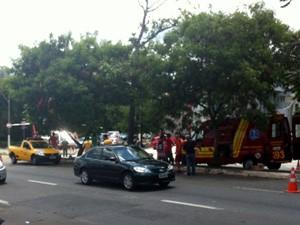 Motociclista bateu na traseira de veículo na Avenida Moraes Salles, em Campinas (Foto: Fernando Bordoni / VC no G1)
