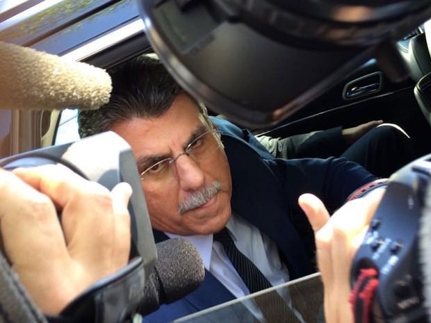 O senador Romero Jucá (PMDB-RR) chega para reunião com Michel Temer em São Paulo (Foto: Vivian Reis/G1)