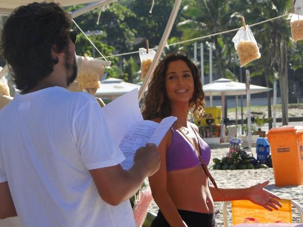 Camila com o diretor (Foto: Juliana Lessa/Gshow)