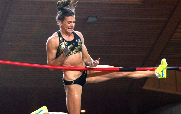 Yelena Isinbayeva competi&#231;&#227;o salto com vara M&#244;naco (Foto: AP)