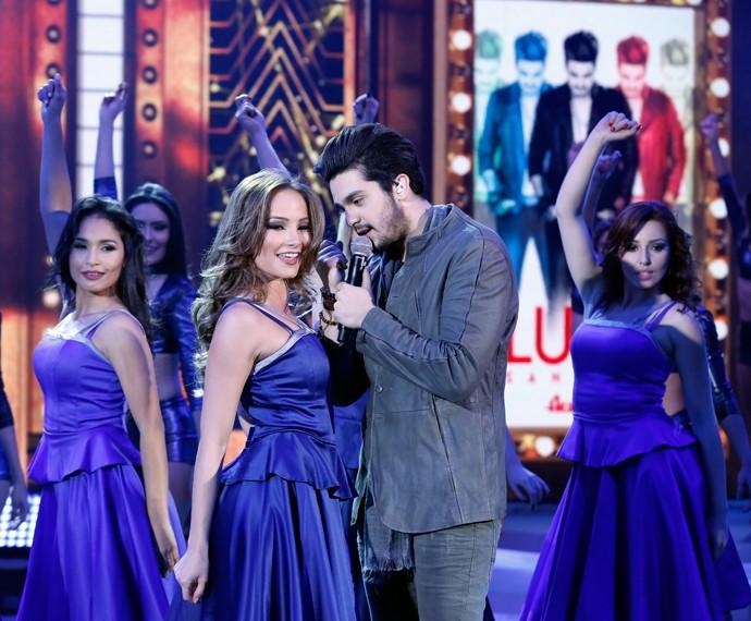 Luan Santana tira bailarina para cantar e dançar pertinho (Foto: Ellen Soares/Gshow)