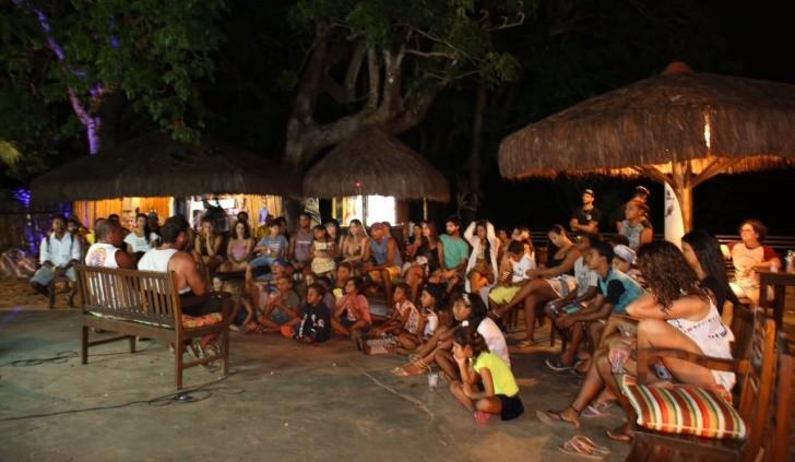 Circo Caracas e Escolinha de Surfe