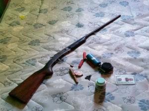 Agressor usava arma para ameaçar as enteadas (Foto: Blog do Sigi Vilares)