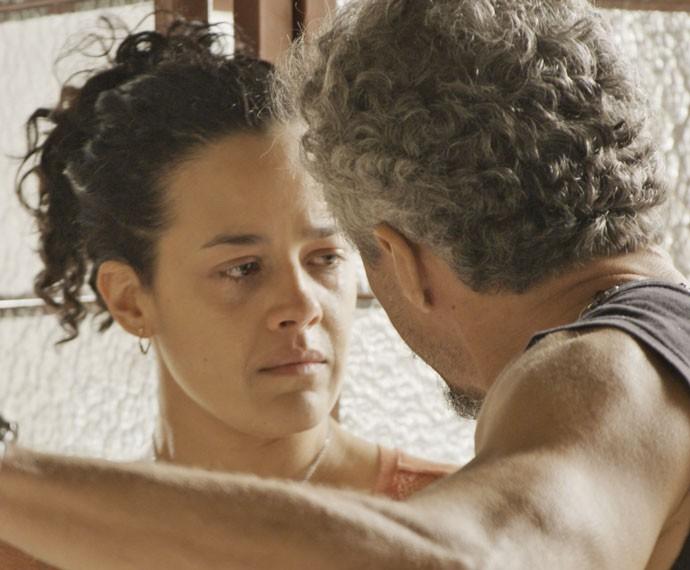Juca esculacha Domingas (Foto: TV Globo)