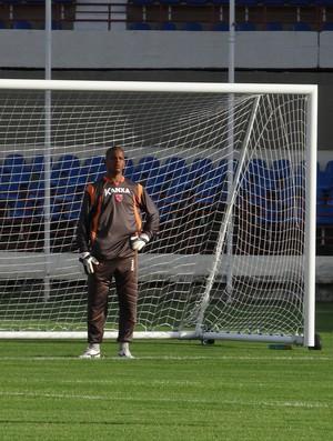 Júlio César, goleiro do CRB (Foto: Paulo Victor Malta/Globoesporte.com)