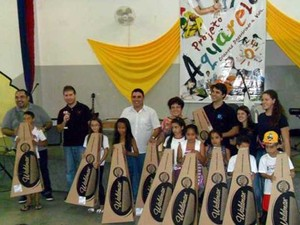 Alunos receberam o material nesta sexta-feira (6) (Foto: Prefeitura de Presidente Prudente/Divulgação)