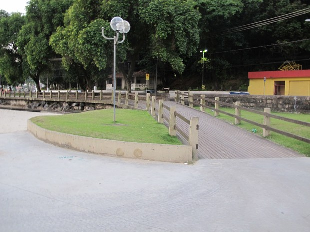 Imagem foi registrada em São Vicente, na Biquinha (Foto: LG Rodrigues / G1)