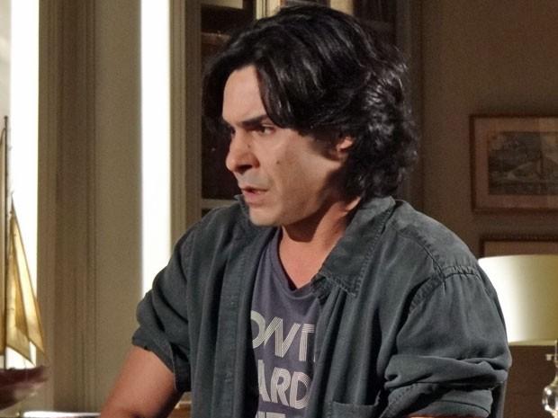 Pedro se espanta com a ideia da marajoara (Foto: Amor Eterno Amor/ TV Globo)