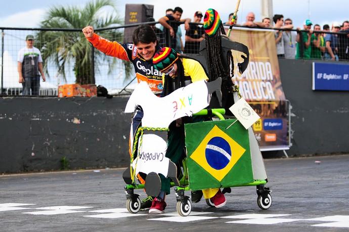 Corrida Maluca - Stock Car em Tarumã (Foto: Duda Bairros / Divulgação)