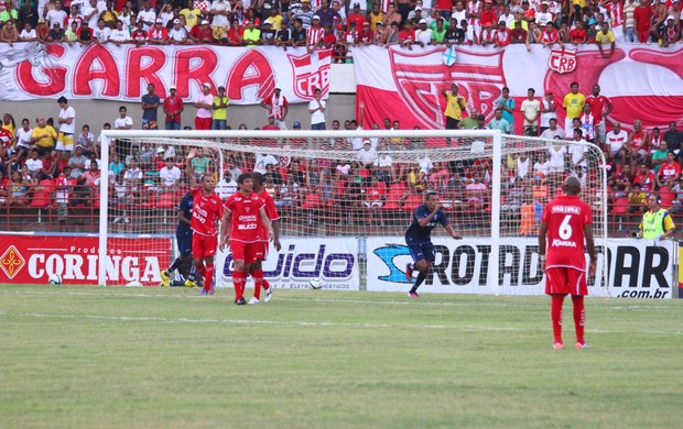 Kel comemora o gol (Foto: Jonathan Lins/G1)