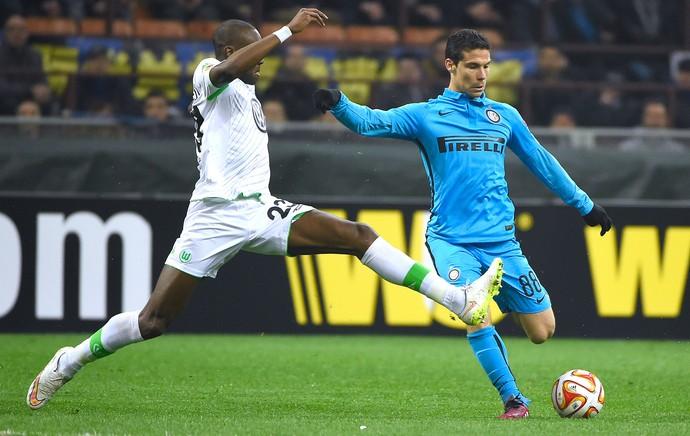 Hernanes, Inter de Milão X Wolfsburg (Foto: Agência AFP)
