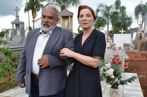 Roberto Bonfim e Sandra Barsotti em cena de filme (Foto: Divulgação)