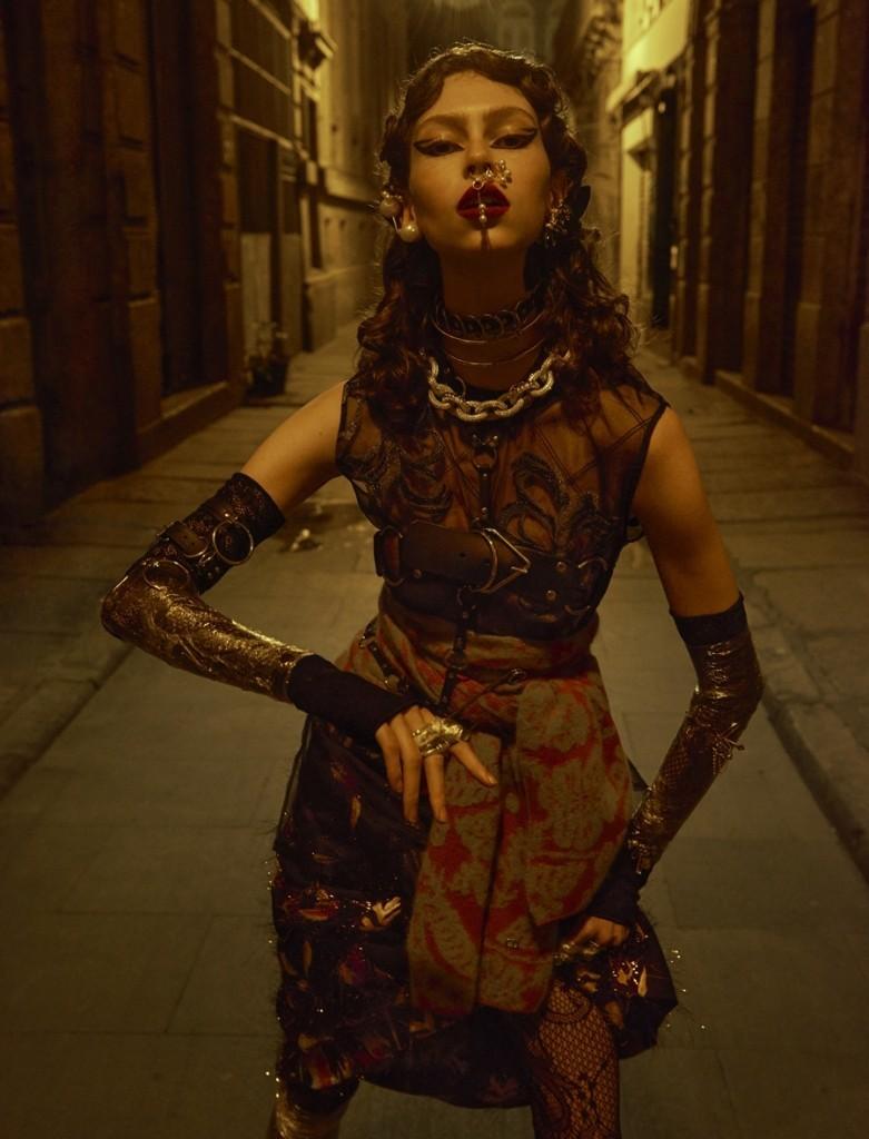 Lorena Maraschi para Vogue Brasil de dezembro de 2016 (Foto: Zee Nunes, estilo Pedro Sales e beleza Rodrigo Costa.)