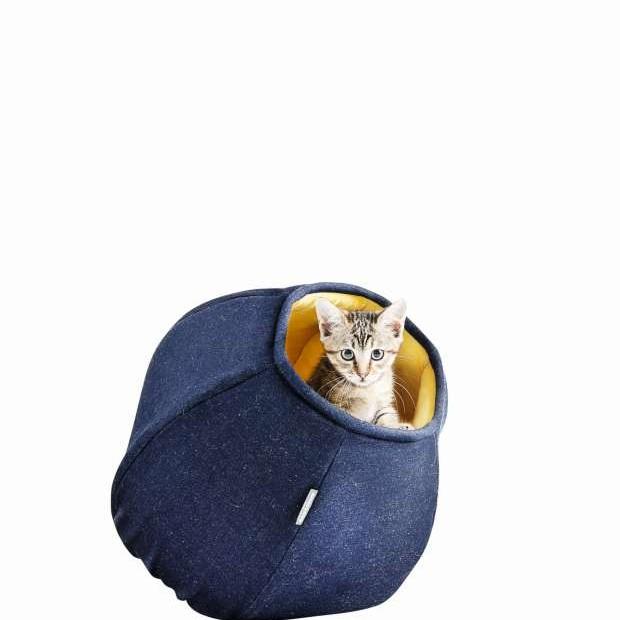 Toca de jeans, algodão e plush para gatos, da marca gaúcha Amico Mio (Foto: Cão em Quadrinhos/Divulgação)