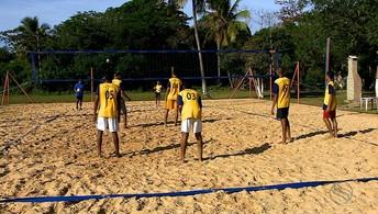 Equipe de vôlei vence obstáculos e os Jogos da Primavera, e vai a torneio nacional