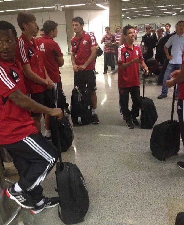 Flamengo chegada Brasília (Foto: Globoesporte.com)